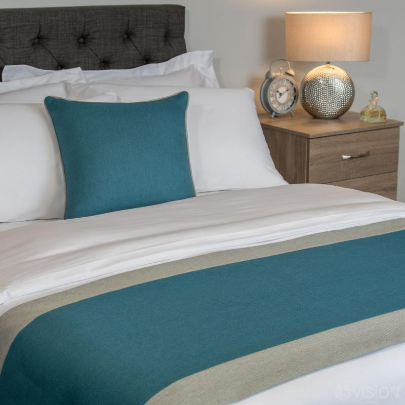 Kingfisher Washable Polyester Bed Runner