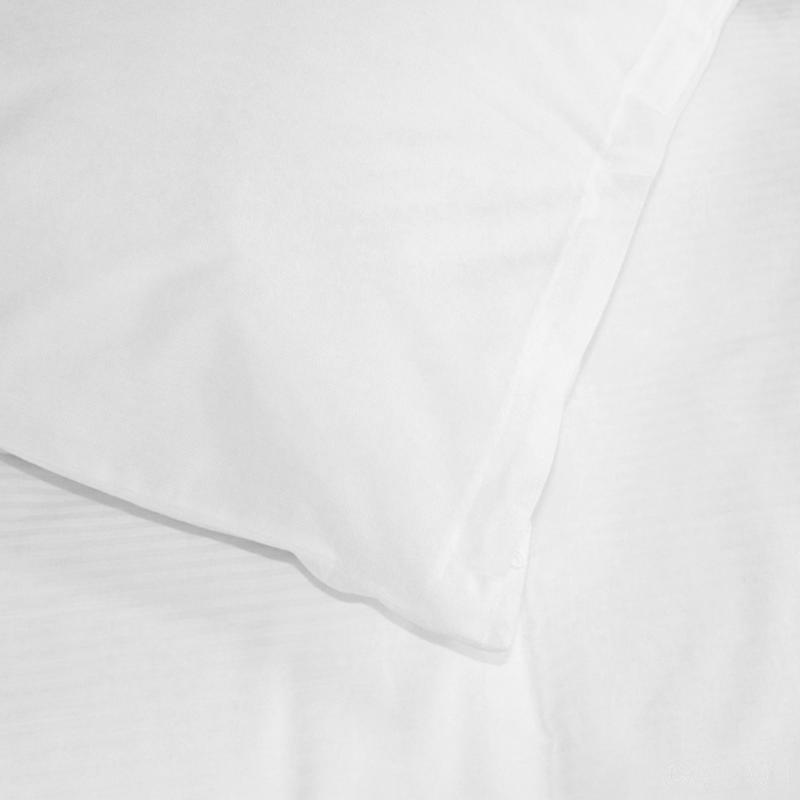 Everyday quality hotel pillow protector
