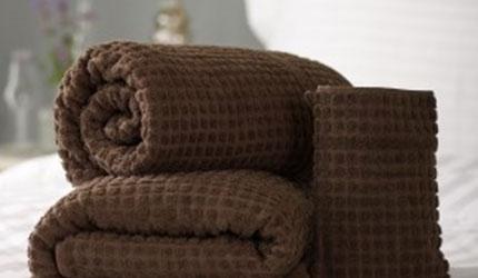 Mosaic chocolate coloured towel